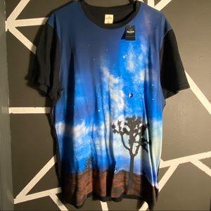 NWT - Hollister T-Shirt - Print - Size XL